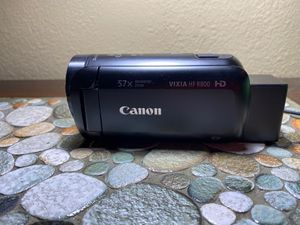 Canon Vixia HF R800 Camcorder Black 57X Advanced Zoom with Charger for Sale in Perris, CA