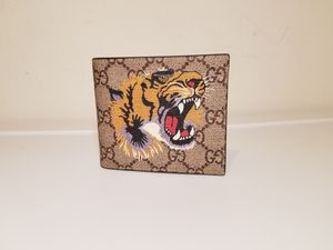 Gucci Supreme Tiger Printed Beige Leather Wallet for Sale in Queens, NY