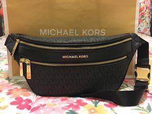 New Authentic Michael Kors Fanny Pack Waist Bag for Sale in Bellflower, CA