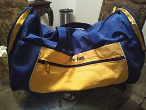 Long duffle bag. for Sale in Camarillo, CA