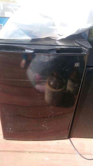 dorm fridge for Sale in Ailey, GA