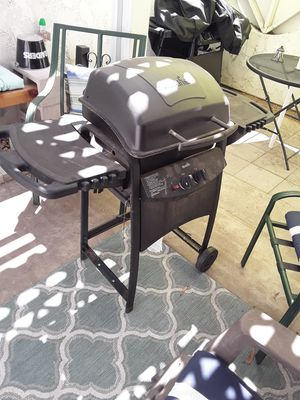 Char-Broil BBQ Grill for Sale in Fontana, CA