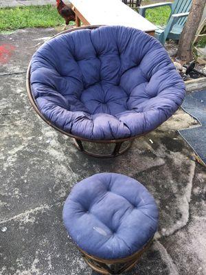 Chair for Sale in Pompano Beach, FL