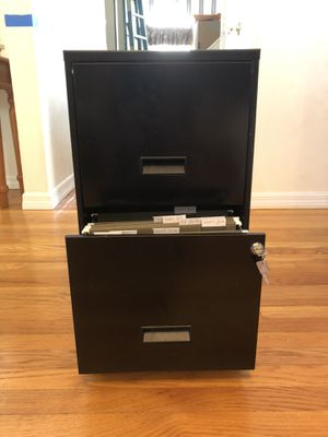 Metal filing cabinet for Sale in Fort Lauderdale, FL
