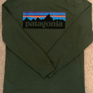 Patagonia Responsibili-tee Long Sleeve M for Sale in Los Angeles, CA