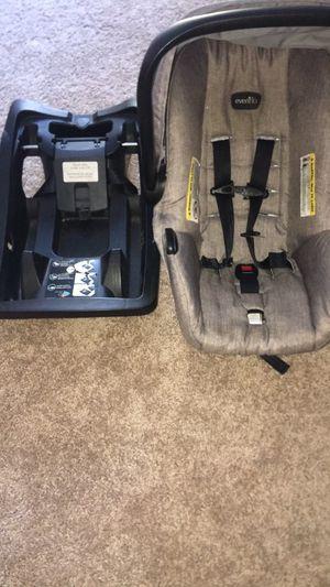 Evenflo Gender Neutral Car Seat W/ Base for Sale in Lynchburg, VA