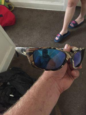 Costa camo sunglasses for Sale in Columbus, OH