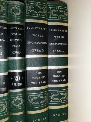 collectible encyclopedia for Sale in Miami, FL