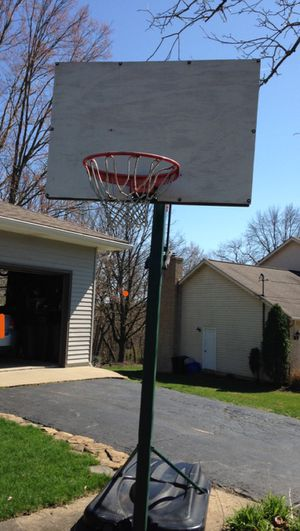 Basketball hoop for Sale in Aliquippa, PA