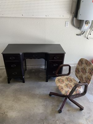 Children's Desk and Chair Wooden for Sale in Fresno, CA