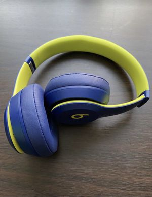 Beats Solo 3 wireless Bluetooth headphones for Sale in Chevy Chase, MD