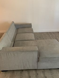 Light Grey Sectional Best Offer for Sale in Brea,  CA