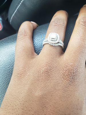 Gorgeous Wedding Ring Set!!! for Sale in UNIVERSITY PA, MD