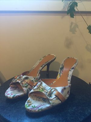 Gucci Floral Horsebit Peep Toe Mule Heels for Sale in Home, WA