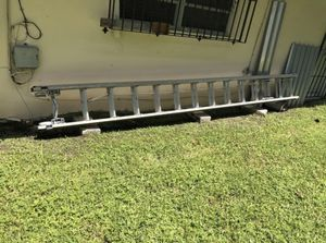 20' extension ladder for Sale in Miami, FL