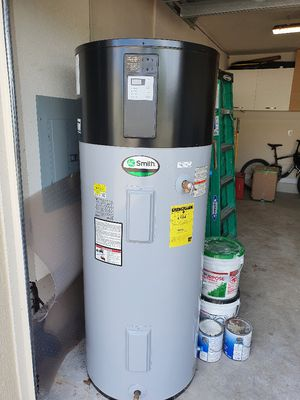 Water heater 80 gal for Sale in Tamarac, FL