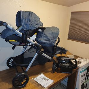 Evenflo Pivot Xpand Modular Travel System for Sale in Highland, CA