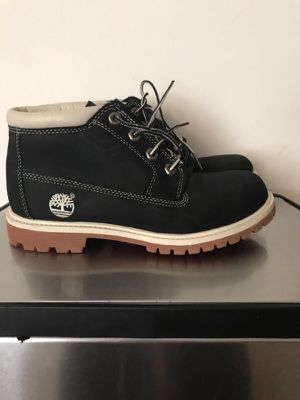 Timberland size 7 women's for Sale in Sterling, VA