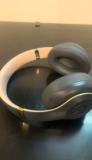 Apple Beats by Dr Dre Studio 3's Wireless Skyline Edition for Sale in Los Angeles, CA