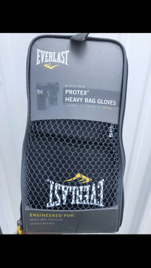Everlast Heavy Bag Gloves for Sale in Boynton Beach, FL