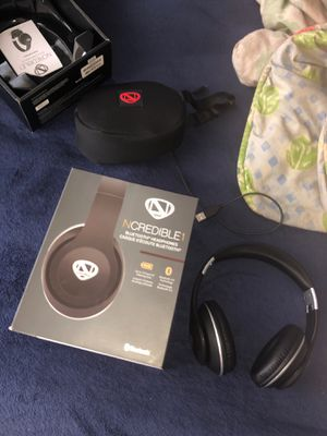 Bluetooth wireless headphones for Sale in Bedford Heights, OH