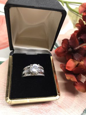 14K white gold plated Brilliant Sapphire Cubic Zirconia Gorgeous ring Sz6 for Sale in Bellwood, IL