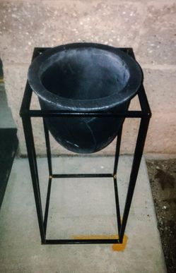 Flower Pot & Stand for Sale in Tucson,  AZ