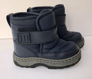 Snow boots Circo toddler/preschooler size 9 for Sale in Lake Forest, CA