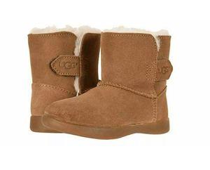 Ugg kids girls Keelan chestnut boots Size 8 for Sale in Phoenix, AZ