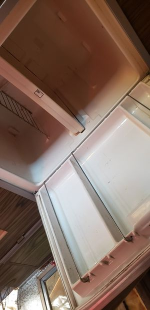 Vintage Trav'ler Rv Travel Trailer Propane fridge for Sale in Scappoose, OR