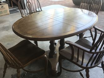 Table And Chairs Set for Sale in Manhattan Beach,  CA