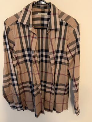 Original Burberry shirt long-sleeve for Sale in Columbus, OH