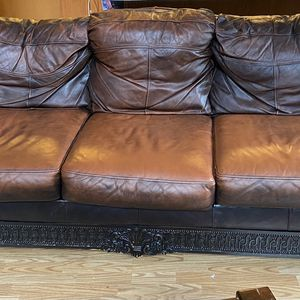Free Leather Couch for Sale in Washougal, WA