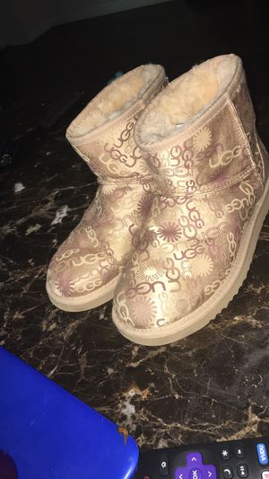 Ugg boots size 6 for Sale in Murfreesboro, TN