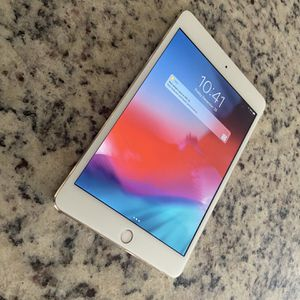 Apple iPad Mini 4 Tablet for Sale in Neenah, WI