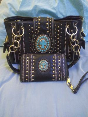 Leather Studded Conceal Carry Purse W/Matching Wallet for Sale in Spokane Valley, WA