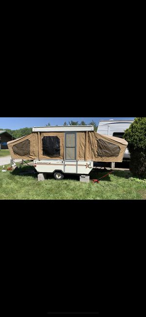 1986 vintage pop up camper for Sale in Chicago, IL
