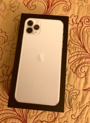 iPhone 11 Pro Max 7/7/ New for Sale in El Paso, TX