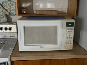 Microwave for Sale in Lakeland, FL