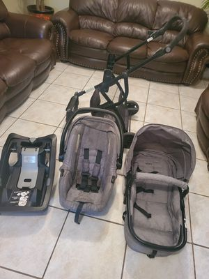 Urbini car seat and stroller in very good condition $120 in Pharr TX for Sale in Pharr, TX