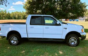 white 2OO2 Ford F-15O XLT $8OO for Sale in San Francisco, CA