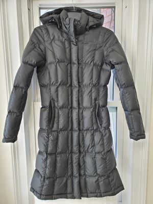 The North Face Women's 550 Metropolis Down Parka with hood Size XS for Sale in Buford, GA