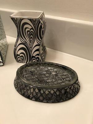 Nice : Bathroom Accessories Decor for Sale in Gainesville, VA