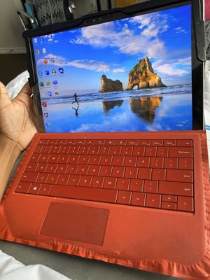 Microsoft Surface Pro 4 128GB, Wi-Fi, 12.3 inch - Silver for Sale in Houston, TX