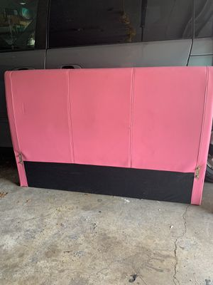 Head board for full sized bed for Sale in Columbus, OH