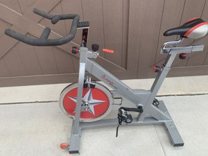 Sunny Health & Fitness Spin Bike for Sale in Grand Prairie, TX