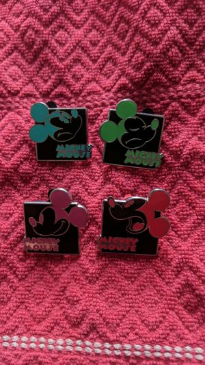Disney pin lot of four mickey mouse with black background and different expressions for Sale in Oviedo, FL