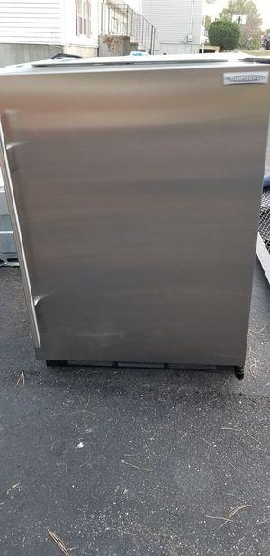 Sub zero 24 inch undercounter refrigerator for Sale in East Haven, CT