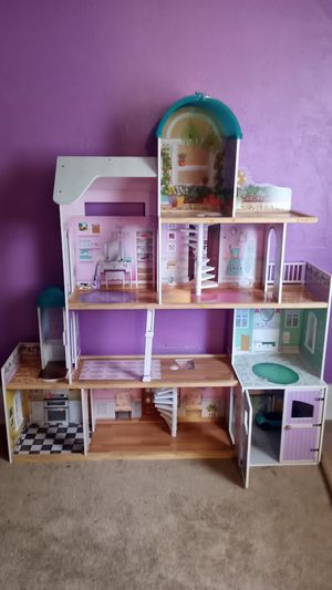 Barbie House for Sale in Toledo, OH
