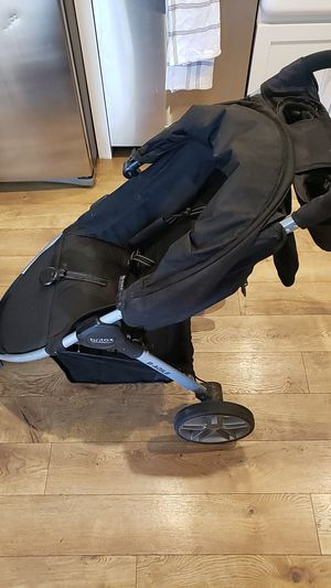 Britax stroller car seat and 2 bases for Sale in Tempe, AZ